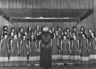 Mohayné Katanics Mária 1981